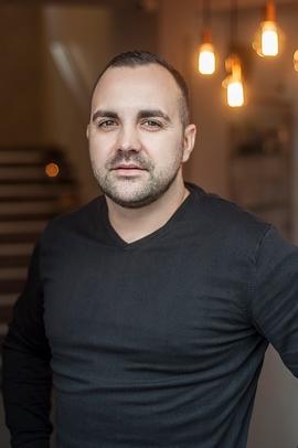 Bartosz Gawron manager kliniki